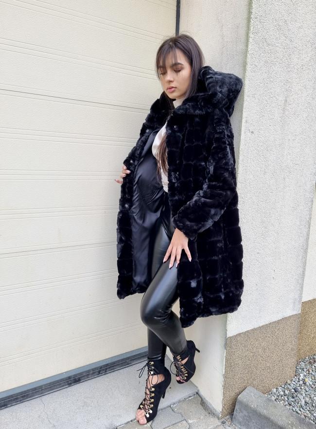 Elegantní šaty PEARLS nero 2131